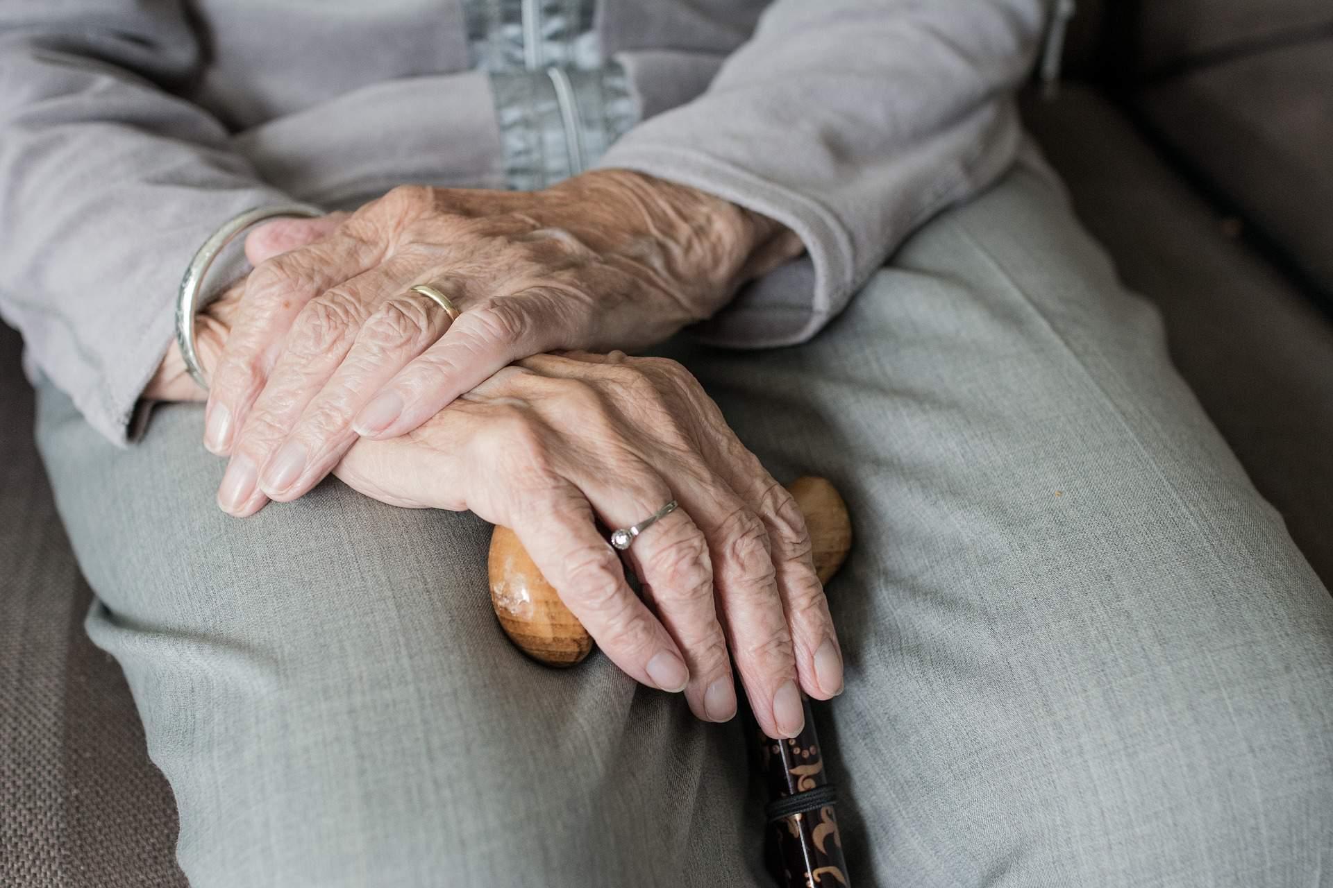 Senior low income dental help